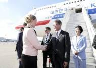 '승차공유 성지' 핀란드에 타다 대표와 함께 간 문대통령