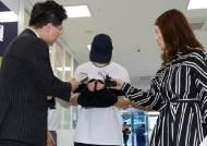 """여중생 성폭행 혐의로 근무중 체포된 고등학교 교사 구속…""""도주 우려"""""""