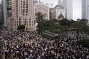 """중국은 """"'홍콩=범죄 천국' 막아야""""…보류된 송환법 운명은"""