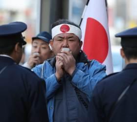 '<!HS>히틀러<!HE>는 틀렸고 나는 문제 없다', 일본 지식인의 모순