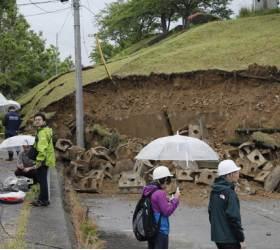 <!HS>일본<!HE> 니가타·야마가타 강진…폭우 겹쳐 붕괴 공포 비상