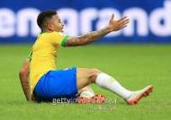 3차례나 골 취소···조기 8강행 노리던 브라질, VAR에 울다