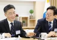 """이국종, 한국당 러브콜에 """"과대평가…민주당과 더 자주 접촉"""""""
