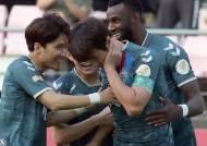 프로축구 전북 이동국, 2분 만에 진기명기 골