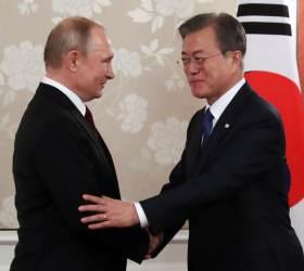 '<!HS>푸틴<!HE> 심야 회담' '일본 홀대' 고민정 靑대변인 페이스북엔…