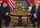 트럼프 말 끝나자마자 손짓···주목받은 김정은 영어실력