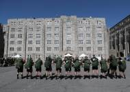 [서소문사진관]미 육군사관학교 입교식에 여생도 285명 소수민족 400명