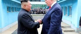 """""""문 대통령<!HS>,<!HE> <!HS>김정은<!HE> 먼저 만나 <!HS>트럼프<!HE> 소개 계획…미국이 반대"""""""