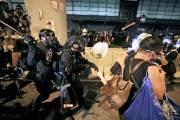 """홍콩 입법회 점거 시위 체포자 재판행…""""끝까지 추적해 처벌"""""""