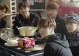 """""""인기는 최고, 매출은 글쎄""""…BTS 팬클럽 아미 84명이 말하는 BTS 등장 <!HS>게임<!HE>은"""