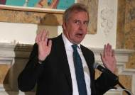 """""""트럼프 무능"""" 보고 파문 영국대사, 트럼프 압박에 결국 사임"""