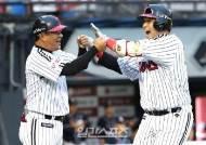 LG 유강남 3경기 연속 홈런+3년 연속 두자릿수 홈런…팀 내 1위