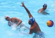 첫 세계수영선수권 데뷔전 대패, 그래도 골문 세 번 뚫었다