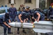 [서소문사진관] 이탈리아 극우 근거지 급습, 미사일도 압수