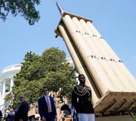트럼프가 백악관 앞마당에 <!HS>사드<!HE>(THAAD) 발사대 설치한 이유는?