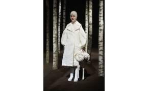 [江南人流] 겨울 패딩점퍼에 꽃무늬·레이스·진주 장식…고급스러워