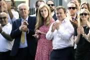 보리스 존슨 총리보다 더 주목 받는 24세 연하 '퍼스트 걸프렌드'