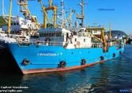 한국인 2명 탄 러 어선, 北억류 11일 만에 속초항으로 귀환