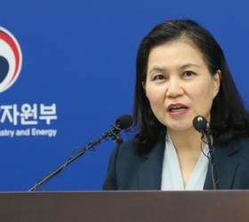 "SNS는 韓日 고위급 전쟁터…유명희 ""日, 일방적 무역제한"""