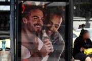 코카콜라, 헝가리서 동성 커플 광고 논란…무슨 내용이길래