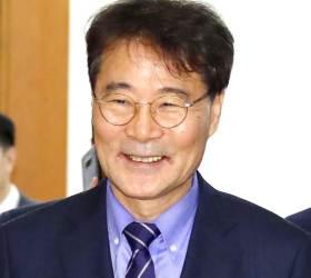 서울대 이어 고대도 최악동문 투표…1위 장하성 2위 <!HS>이명박<!HE>