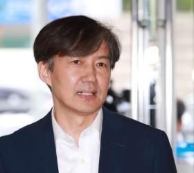 <!HS>페이스북<!HE>서 목소리 높이던 조국, 장관 지명 뒤 게시글 '0'