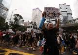 홍콩 주말 시위 긴장 고조…친중 시민들도 거리로 나왔다