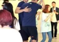 팬들을 웃게하는 김시훈 댄스타임