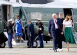 트럼프, 바이든에 12%P 뒤져도…외교가는 재선에 베팅