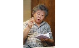 """김정환 시인 """"내 시를 직접 번역해보니, 시를 쉽게 써야겠더라"""""""