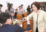 """""""2030 분노, 4050 박탈감, 6070 진보혐오…조국 버티겠나"""""""