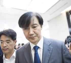 조국 딸 받은 '의전원 장학금', 이번엔 김영란법 위반 논란