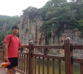 [<!HS>착한뉴스<!HE>]빨간옷에 확성기…물에 빠진 4명 구한 시골 목사