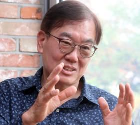 """김정탁 교수 """"조국은 법가…맥락 끊고 단편 논리만 따진다"""""""