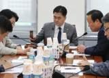 """선거제, 안건조정위도 통과…한국당 """"두 번의 날치기"""" 효력 정치 신청"""