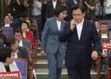 '조국 파문'에도 한국당 지지율 제자리걸음 왜?