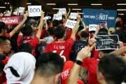 월드컵 예선전 찾은 홍콩 축구팬, 중국 국가 울리자 등 돌렸다