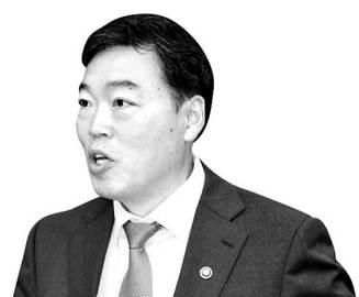 """법무차관 """"윤석열 왜 빼자 했겠나···지금 가시방석, 괴롭다"""""""