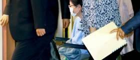 <!HS>박근혜<!HE> 3시간 어깨수술···병원비 본인 부담, 보호자는 유영하