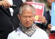 """""""나도 한다""""···황교안 이어 눈물 흘리며 삭발한 김문수"""
