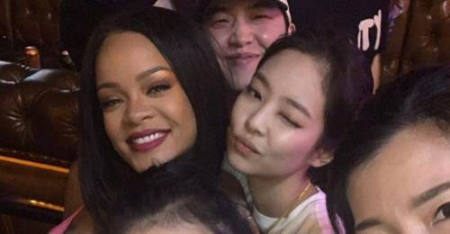 Rihanna and BLACKPINK Jennie Hang Out In Seoul