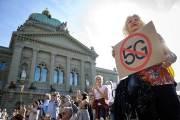 """한국은 이미 상용화됐는데…스위스선 """"5G 전자파 위험"""" 반대"""