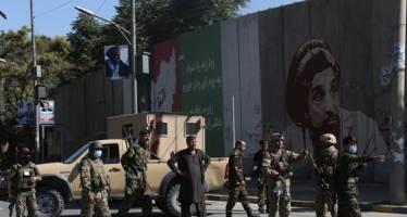 """아프간 정부군 야간 공습…""""결혼식 민간인 최소 30명 사망"""""""