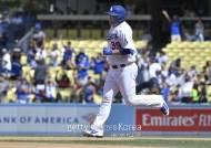 류현진 홈런, 다저스 구단이 선정한 이 주의 '플레이'
