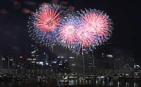 쉿! 인파 피해 남보다 즐겁게 여의도 불꽃축제 즐기는 방법