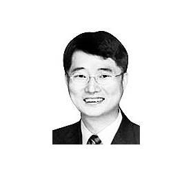 [시론] 문재인·김명수 관계, <!HS>박근혜<!HE>·양승태 시절 닮아 가나