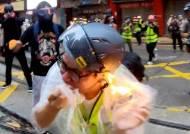 홍콩 취재 중 얼굴에 불 붙은 기자…복면 금지 후 시위는 더 격렬