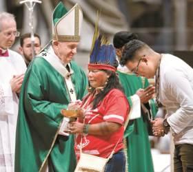 [사진] 교황, <!HS>아마존<!HE> 원주민 접견