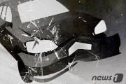 도산공원 인근 차량 3대 추돌…충격으로 보닛 위로 올라선 SUV