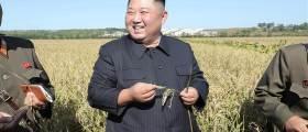 협상 결렬에도···28일만에 옥수수 들고 웃으며 나타난 <!HS>김정은<!HE>